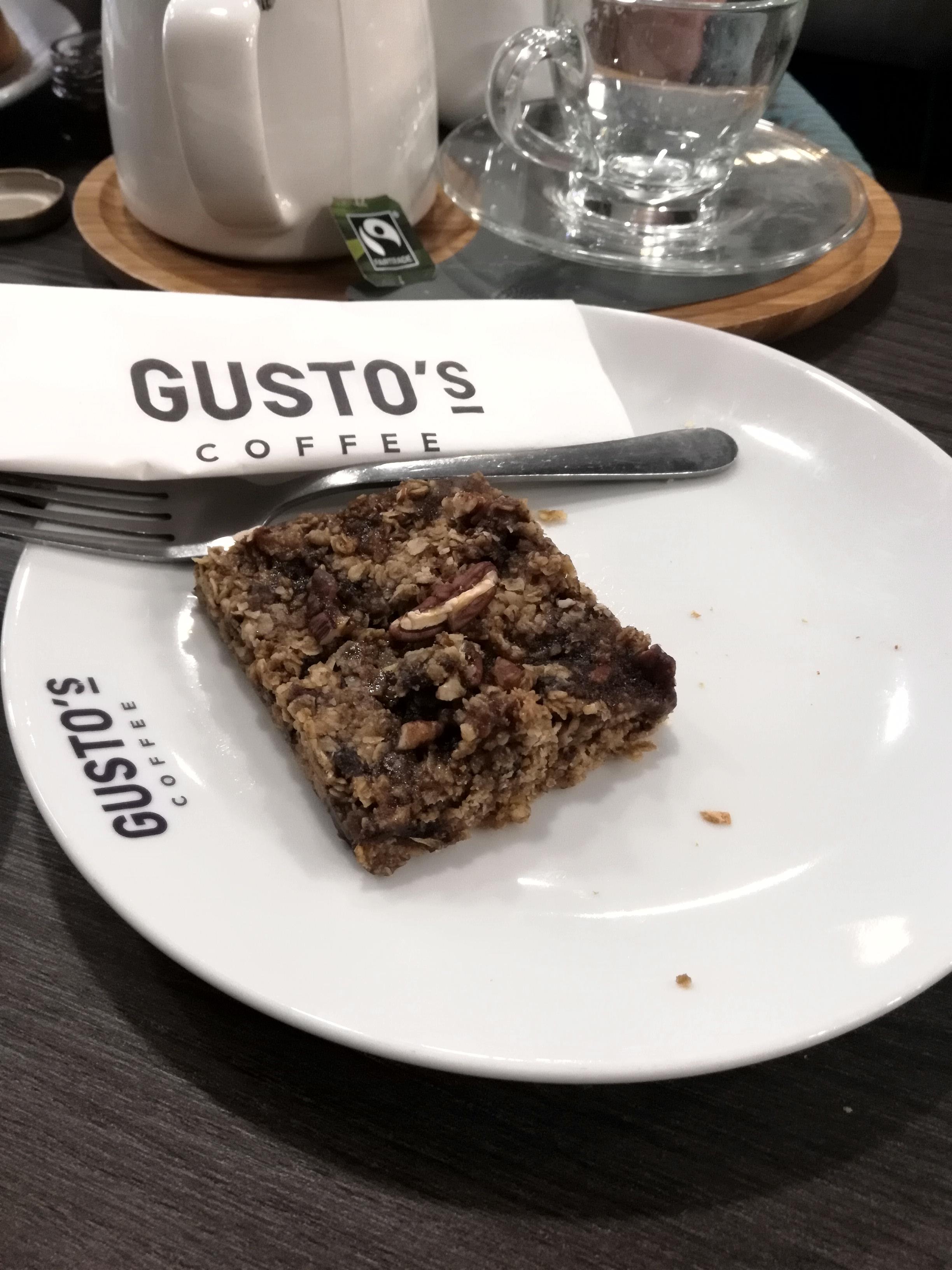 Gusto's vegan cake
